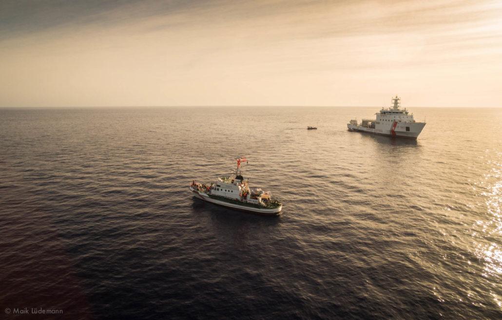 Übergabe an Coast Guard